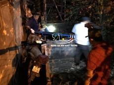 Bình Dương: Người phụ nữ điều khiển xe máy bay qua hàng rào cao 2 m, tử vong thương tâm