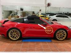 Porsche 911 Targa 4 GTS được chủ lên áo mới đón Tết, logo dưới đế giày của Gucci mới là điểm nhấn