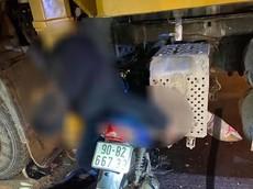 Hà Nam: Đâm vào sườn xe bơm bê tông, người đàn ông tử vong trên yên xe máy