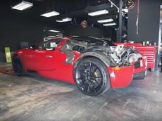 """Lái Bugatti Veyron thông thường là chưa đủ nổi bật, YouTuber quyết định để """"lộ thiên"""" phía sau"""