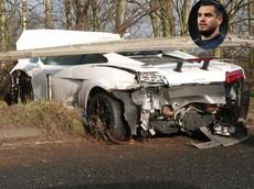 """Thủ môn của """"quỷ đỏ"""" Manchester United lái siêu xe Lamborghini Gallardo tông vào dải ta-luy"""