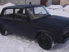 """Chứng kiến người Nga tự pha chế màu sơn """"đen nhất thế giới Vantablack"""" ngay tại nhà"""