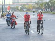 Đại lộ Phạm Văn Đồng vắng vẻ trong ngày mùng 1 Tết