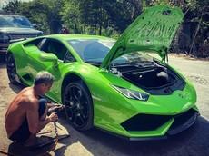 Choáng với hình ảnh siêu xe Lamborghini Huracan vá vỏ lưu động ở miền Tây