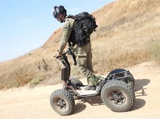 Quân đội Mỹ thử nghiệm xe điện 4 bánh với khả năng chinh phục địa hình vượt trội