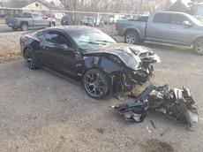 """Đại lý xe nhận """"gạch đá từ Facebook"""" khi đâm hỏng chiếc Ford Mustang vừa lắp bộ siêu nạp của khách hàng"""