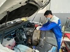 Video kiểm chứng hiện tượng rò rỉ dầu trên xe Ford sử dụng động cơ Bi-Turbo 2.0L
