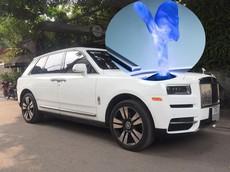 Quá nhiều Rolls-Royce Cullinan tại Việt Nam nhưng đây là chiếc đầu tiên có logo phát sáng