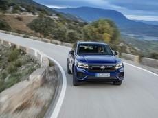 SUV cỡ trung Volkswagen Touareg R trình làng với sức mạnh vượt trội