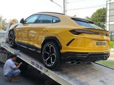 Lamborghini Urus được vận chuyển về đại lý chính hãng, nhiều người tò mò không biết là chiếc thứ mấy tại Việt Nam
