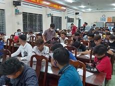 """Gần 70 """"quái xế"""" và """"dân tổ"""" làm loạn QL1A bị lực lượng cảnh sát Tiền Giang vây bắt"""