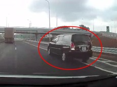 Video: Toyota Innova ngang nhiên lùi xe trên cao tốc Bắc Giang - Lạng Sơn, tài xế có thể bị phạt 18 triệu đồng