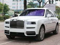 Bất chấp dịch Covid-19 diễn biến phức tạp, Rolls-Royce Cullinan mới toanh vẫn xuất hiện trên vỉa hè Hà Nội
