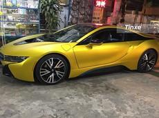 Hết trào lưu, xe thể thao BMW i8 được chủ nhân thay áo vàng nhám