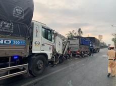 Video: Hiện trường vụ tai nạn liên hoàn giữa 4 ô tô khiến 4 người thương vong tại Bình Thuận