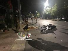 Video: Nam thanh niên lao xe máy vào cột điện tại Bình Dương, tử vong tại chỗ