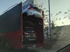Suzuki XL7 tiếp tục bị bắt gặp trên đường vận chuyển với số lượng lớn, ngày ra mắt đã rất gần