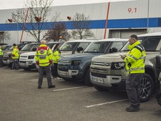 Jaguar Land Rover huy động 160 xe để hỗ trợ các tổ chức chống dịch Covid-19