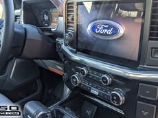 """Xe bán tải """"khủng long"""" Ford F-150 2021 lộ thiết kế nội thất với màn hình cỡ lớn"""