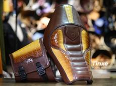 """Thợ Việt """"thửa riêng"""" yên da cá sấu trị giá hơn 30 triệu đồng cho Harley-Davidson Iron 883"""