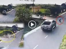Hải Phòng: Xe bán tải kéo lê bé trai đạp xe trên đường 15m, tài xế rời khỏi hiện trường