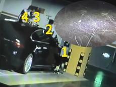Hài hước chuyện phụ huynh của 4 đứa trẻ chỉ chịu bồi thường cho chủ xe Jaguar hơn 3 triệu đồng