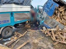 Bà Rịa - Vũng Tàu: 2 ô tô tải va chạm với nhau khiến một cặp vợ chồng tài xế thương vong