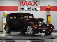 """Chiếc xe độ Dodge SRT33 1933 trị giá 4 tỷ đồng này đủ sức biến bạn thành """"Bố già mafia người Ý"""""""