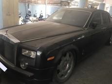 """Rolls-Royce Phantom của đại gia Việt """"ngủ nướng"""" dưới hầm gửi xe khiến ngoại thất đóng bụi dày đặc"""