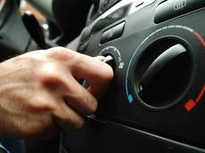 Mách bạn cách sử dụng điều hòa ô tô vừa mát vừa tiết kiệm nhiên liệu trong mùa hè