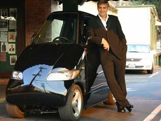 Tango T600 - Chiếc xe điện tí hon với giấc mơ lớn và cái giá 420.000 USD