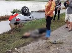Nam Định: Xe bán tải ủi bay hàng loạt cột mốc, tông tử vong một người đi xe máy