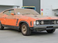 """Chiếc Ford Falcon 1973 siêu hiếm này vừa được """"giải cứu"""" sau hơn 30 năm ngủ yên với giá 5 tỷ đồng"""