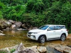 """Tăng tốc trong công cuộc """"dọn kho"""" chuẩn bị đón bản mới, Toyota Fortuner nhận ưu đãi tới cả trăm triệu đồng tại đại lý"""