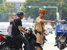 Theo luật mới nhất, xe máy không xi nhan phạt bao nhiêu tiền?