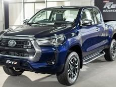 Đại lý mở cọc Toyota Hilux 2020, dự kiến ra mắt ngay trong tháng 8 này