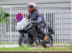 KTM RC 390 tiếp tục được chạy thử, hé lộ đầu đèn pha hoàn toàn mới