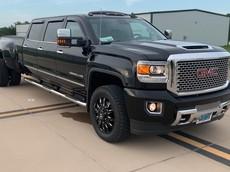 Ngắm chiếc bán tải GMC Sierra Denali HD độ 6 cửa mà đảm bảo ai cũng phải chú ý