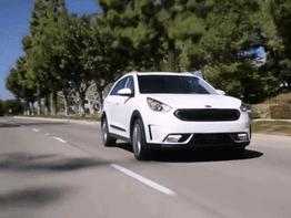 Đánh giá xe Kia Niro 2017: Mẫu xe hybrid đầu tiên của Kia