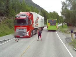 Phanh tự động cứu nguy khẩn cấp cho xe tải Volvo