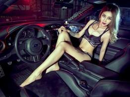 Ngắm nhìn chân dài Lữ Mộng Ngọc tạo dáng bên chiếc Subaru BRZ độ cực phong cách