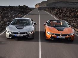 """Bộ đôi BMW i8 Coupe và Roadster thế hệ mới """"lướt"""" như gió trên xa lộ"""