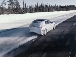 """""""Nhá hàng"""" Mercedes-Benz A-Class 2019 phiên bản thử nghiệm"""