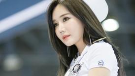Han Ga Eun hút hồn người xem trong trang phục thủy thủ đáng yêu