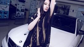 Người mẫu Giả Như thuần phục mãnh thú Mercedes-Benz C63 AMG