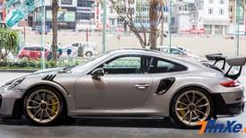"""Video đánh giá nhanh Porsche 911 GT2 RS với gói độ """"giảm cân"""" Weissach RS"""