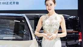 Ngắm nhìn những người mẫu xinh đẹp ở Triển lãm Ô tô Thượng Hải 2019