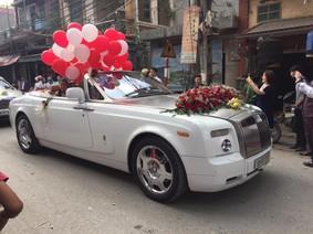 """Dàn xe siêu sang """"khủng"""" tại đám cưới Bắc Ninh kéo dài 15 ngày và mời hơn 30 ca sĩ"""