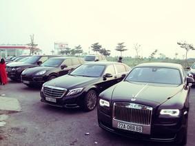 """Chiêm ngưỡng cặp đôi xe siêu sang biển """"tứ quý"""" tại Tuyên Quang"""