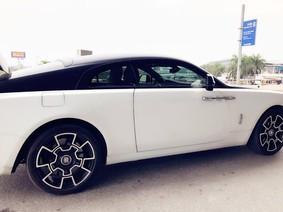 Doanh nhân trẻ Hà thành độ mâm bản Black Badge cho Rolls-Royce Wraith